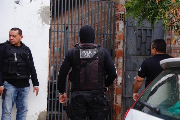 Polícia na rua: operação de combate à criminalidade em Curitiba