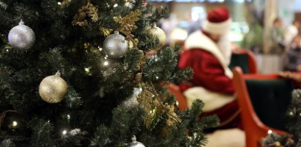 Papai Noel é demitido por empurrar criança de 4 anos em Shopping