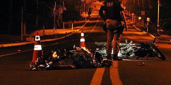 Motociclista perde controle em rotatória e morre em Parnaíba