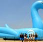 Conheça o maior brinquedo inflável de piscina do mundo