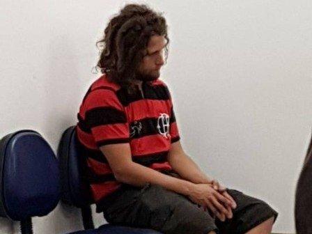 Torcedor do Flamengo que desceu no Maracanã de paraquedas é detido