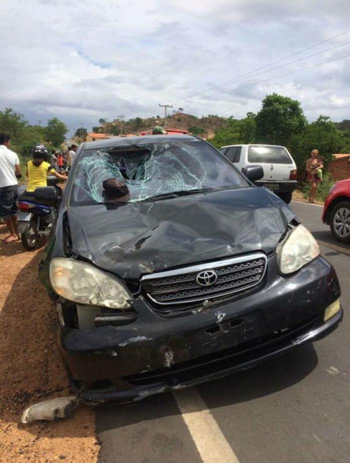 Veículo que se envolveu na colisão (Crédito: Mural da Vila)