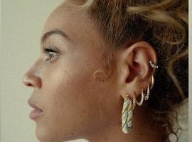 Beyoncé posa sem maquiagem e encanta; fotos!