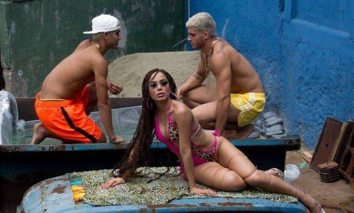 Anitta lança clipe 'Vai Malandra' e para a internet