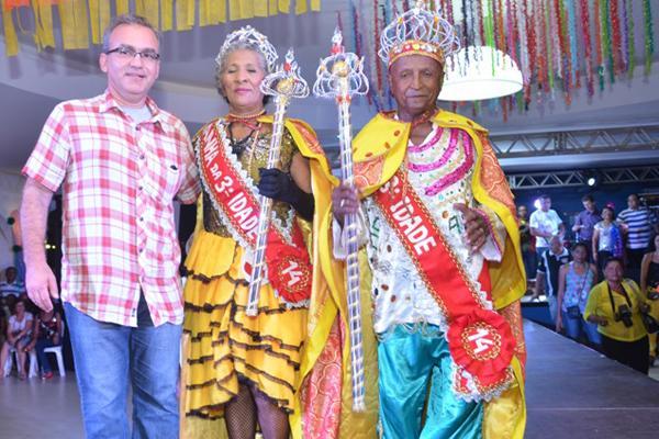 Rei e Rainha da terceira idade do Carnaval de 2015 (Crédito: Divulgação)
