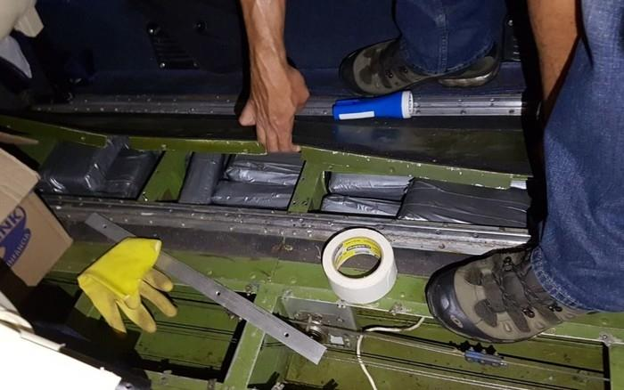 Gêmeos espanhóis são presos com avião carregado de cocaína