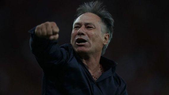 Ariel Holan comemora título da Copa Sul-Americana pelo Independiente (Crédito: Gazetta Press)