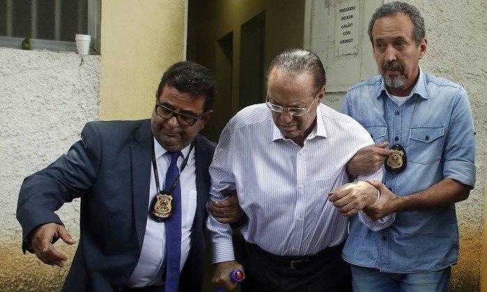 aulo Maluf chega ao Instituto Médico Legal (IML)  (Crédito: O Globo )