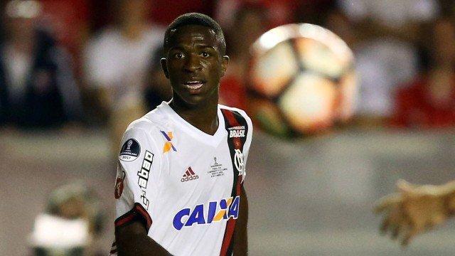 Vinicius Júnior e Luan terminam 2017 como os mais caros do futebol
