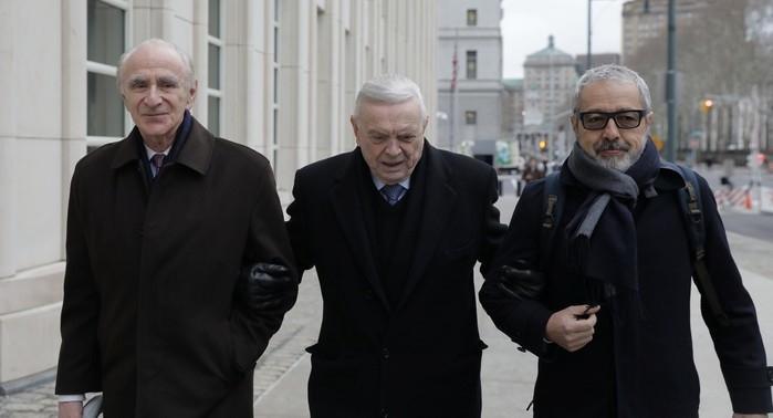 Marin chega com os advogados ao tribunal (Crédito: Reuters)