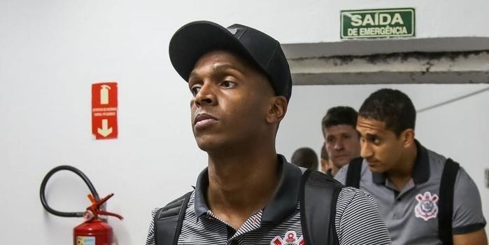 Corinthians aceita proposta e Jô vai atuar por time japonês em 2018