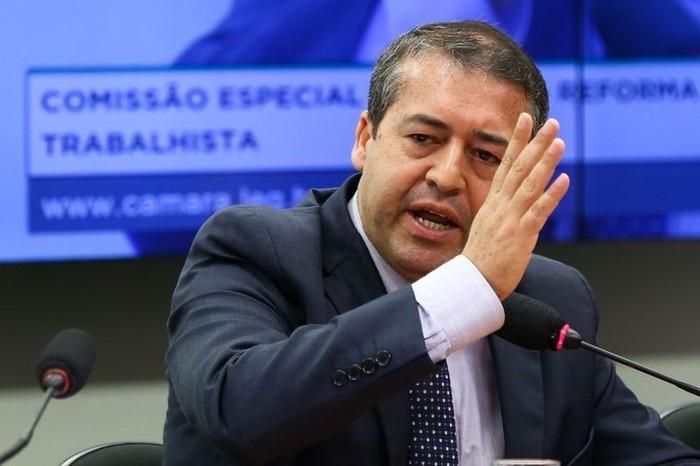 O ministro do Trabalho, Ronaldo Nogueira, durante audiência da Comissão Especial da Reforma Trabalhista na Câmara (Crédito: Marcelo Camargo / Agência Brasil))