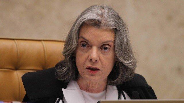 A ministra Cármen Lúcia preside sessão no plenário do STF (Crédito: Agência O Globo)