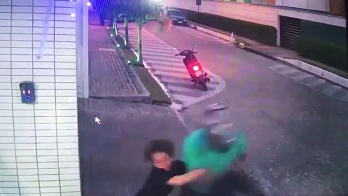 Criança reage a assalto e segura bandido na Paraíba