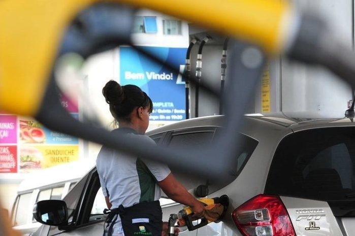 Petrobras anuncia mais uma alta nos preços da gasolina e diesel