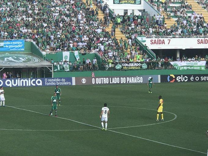 Chapecoense vence Coritiba e está na Pré-Libertadores