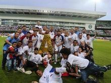 De volta à Série A, Paraná não perdoa e ironiza rival que caiu