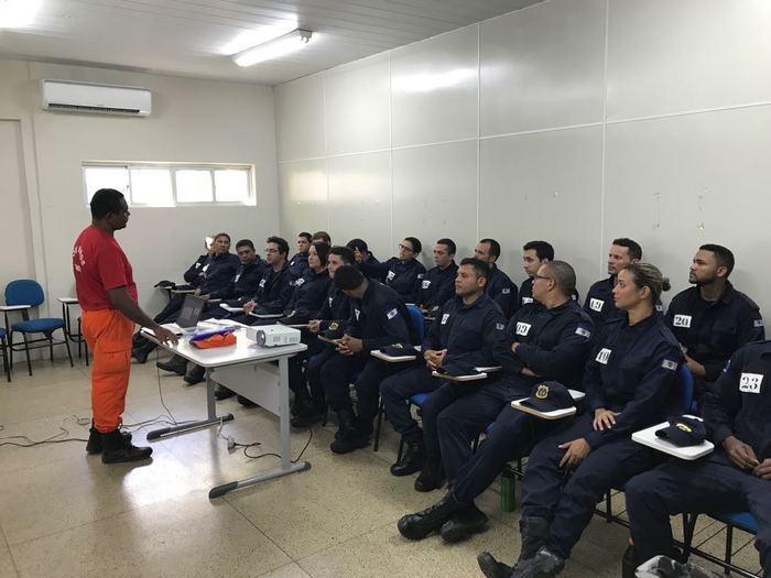 Ao todo, 24 guardas municipais participam do treinamento (Crédito: Reprodução)