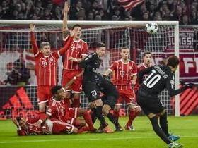 Bayern vence PSG por 3 a 1, mas não rouba liderança do grupo B