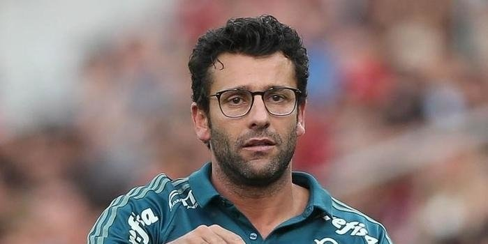 Interino por 11 rodadas, Alberto Valentim é demitido do Palmeiras