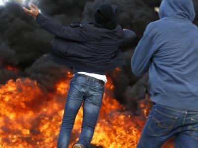 Após decisão de Trump, Palestinos e forças de Israel se confrontam