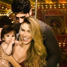 Adriana e Rodrigão fazem festa de R$ 500 mil para 1 ano do filho