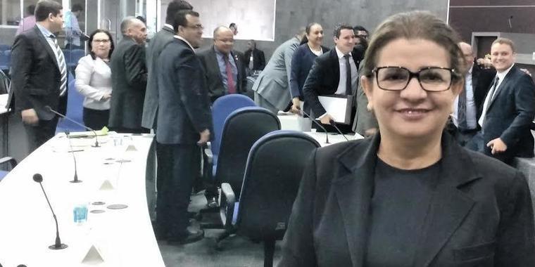 Graça Amorim quer debater anulação do concurso dos cartórios