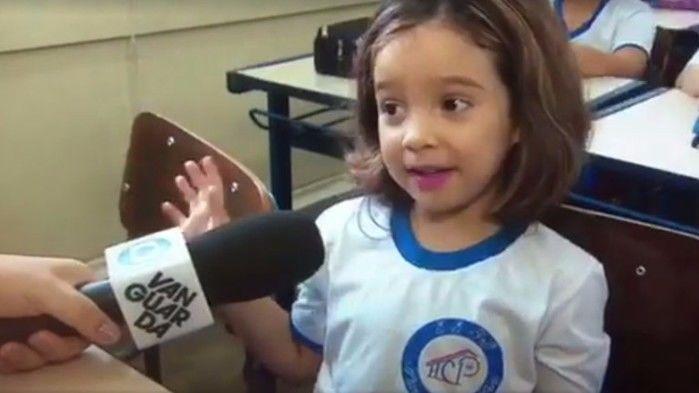 Repórter se surpreende com criança e vídeo viraliza na internet