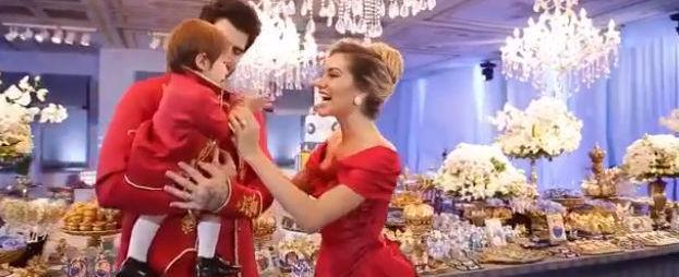 """Adriana Sant""""Anna comemora primeiro ano do filho em festa luxuosa"""