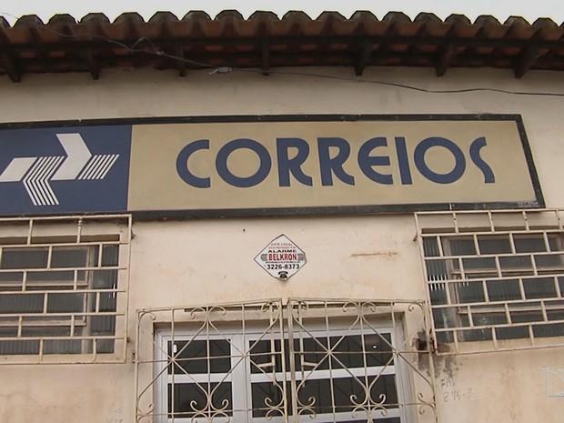 Bando arromba agência dos Correios e causa pânico no Maranhão