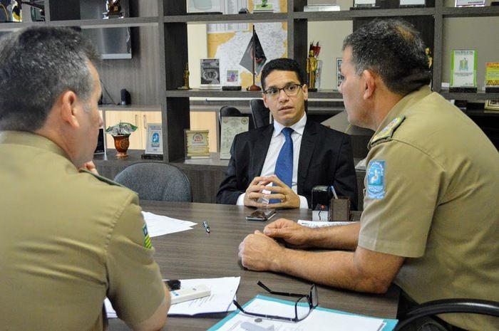 Secretário se reúne com Polícia Militar para tratar sobre proteção externa dos presídios