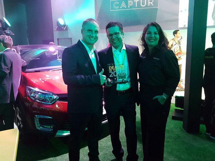 Presidente da Renault Brasil  Fabrice Cambolive e a diretora de Vendas Vanessa Castanho .