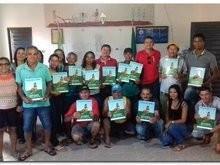 Interp entrega títulos definitivo de terras para moradores do Forte