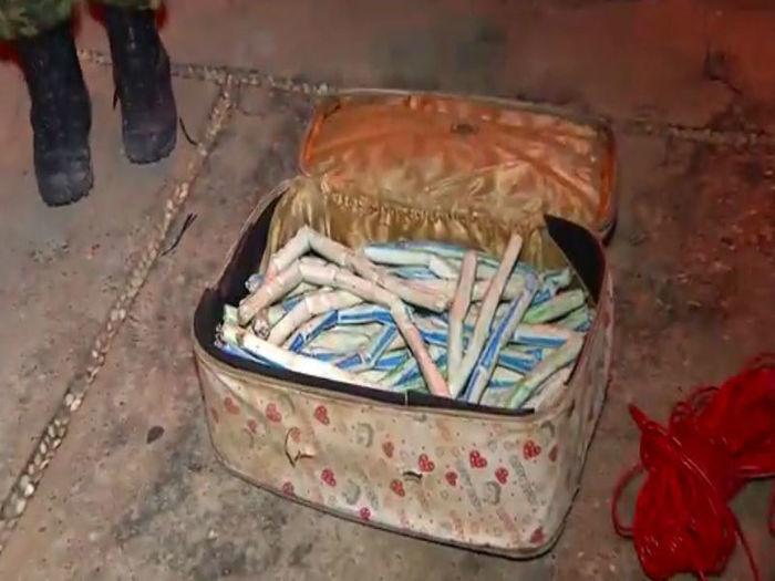 Polícia apreende 53 explosivos dentro de mala na região do Promorar (Crédito: Rede Meio Norte)