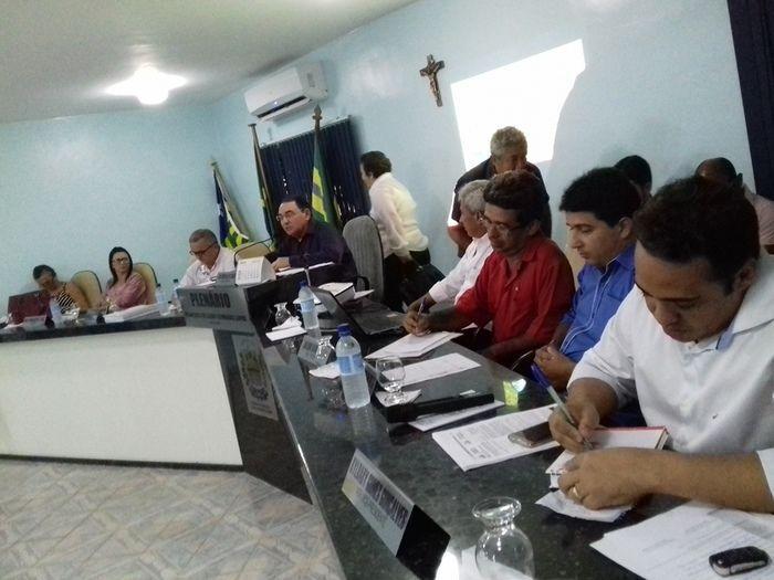 Prefeito Valmir Barbosa abre trabalhos na Câmara Municipal - Imagem 19