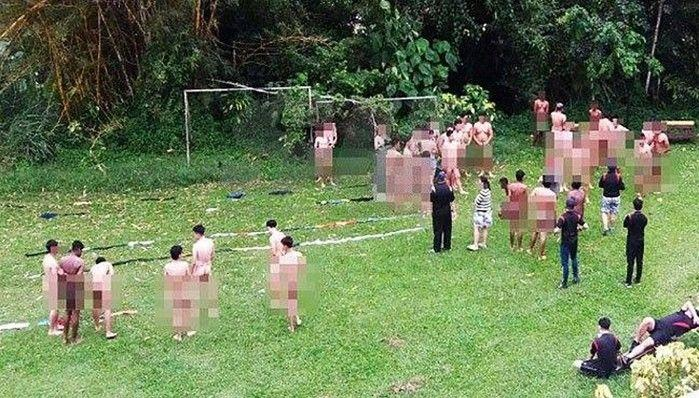 Homens ficaram nus durante atividade motivacional