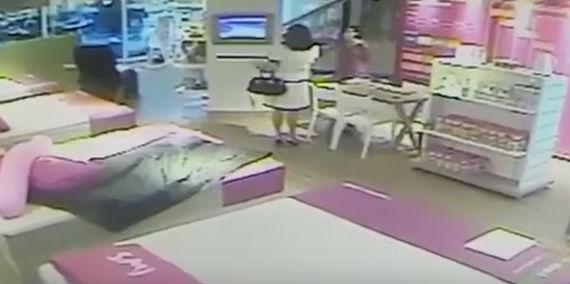 Cliente revoltada quebra TV e computadores em loja de BH