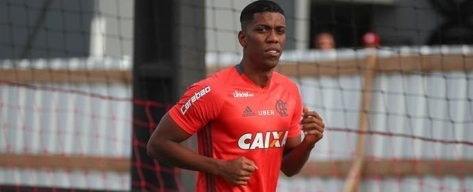 Flamengo espera contar com Berrío já no jogo contra Botafogo