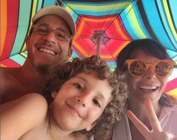 Mylla com a família (Crédito: Divulgação)