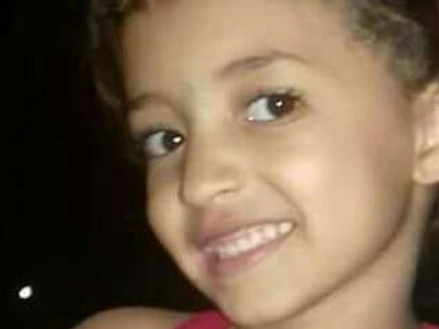 Ana Clara Pires Camargo, de apenas 7 anos