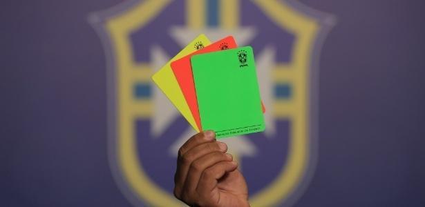 Cartão verde (Crédito: Reprodução)