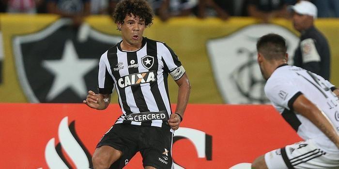 Botafogo elimina Olímpia nos pênaltis e segue na Libertadores