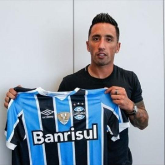 Lucas Barrios foi anunciado oficialmente no Grêmio