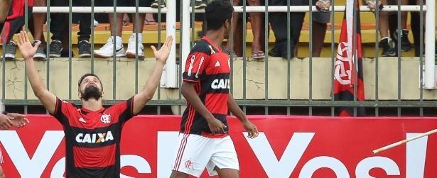 Após 9 jogos sem ganhar do Vasco, Fla vence e pega Flu na final