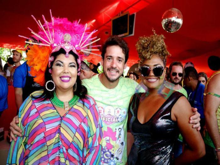 Fabiana Karla,Guilherme Menezes (MKT do Galo) e Gaby Amarantos (Crédito: Reprodução)