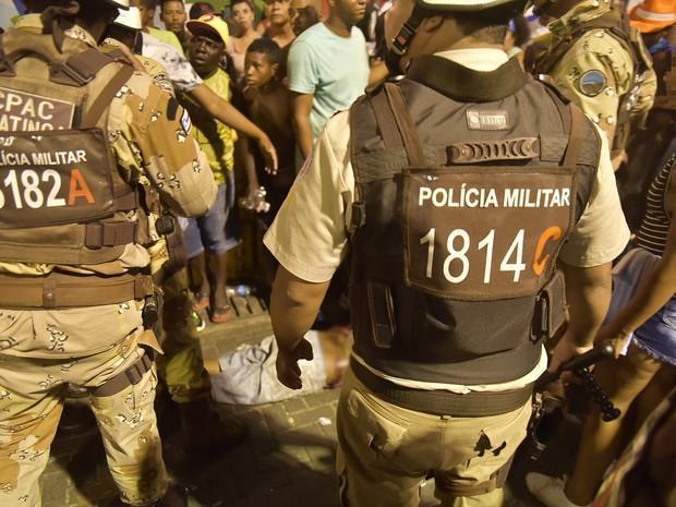 Homem foi baleado por polcial, que foi preso durante carnaval na Barra, em Salvador (Crédito: Reprodução)
