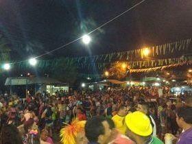 Foliões lotam a Praça da Independência em Lagoa Alegre-PI