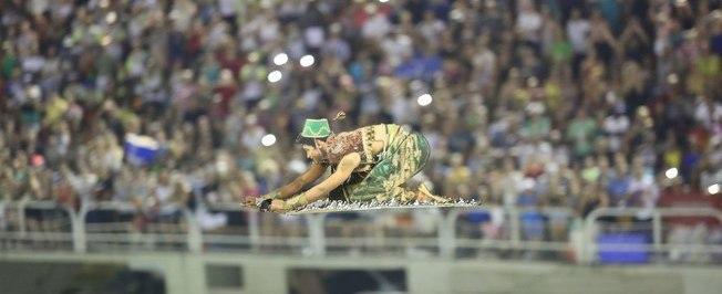 Com Aladdin voador, Mocidade leva lenda das 'Mil e Uma Noites'