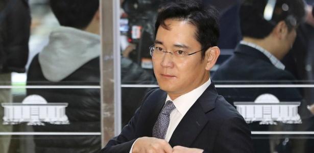 Herdeiro da Samsung e 4 executivos são indiciados por corrupção