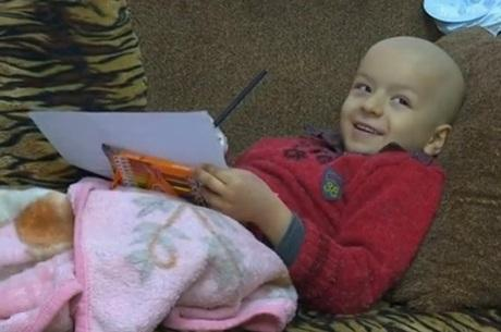 Trump proíbe entrada de criança com câncer nos EUA